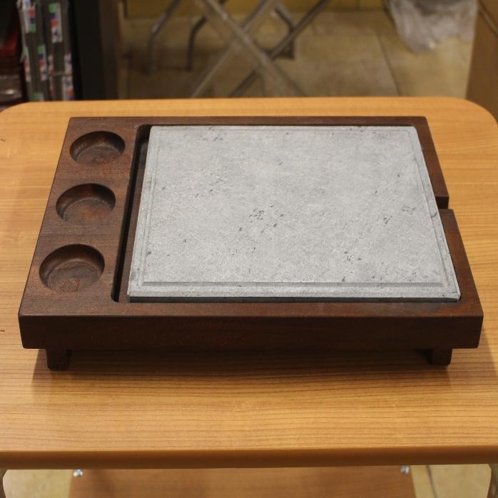 pietra ollare con supporto in legno personalizzato